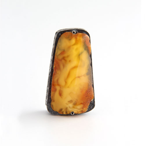 Intellectual property, box , 2013,  amber, silver, niello,  5,5  x  3,0  x 2,0 cm