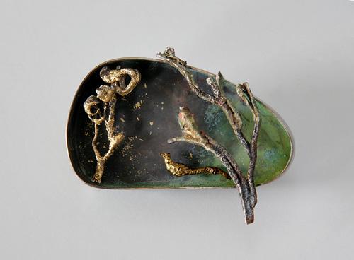 Golden Bird, brooch, 2008, silver, patina, leaf gold, 56 mm
