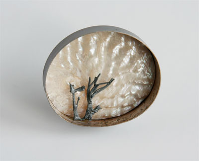 February, brooch, 2010, silver, patina, shelll, 55 mm