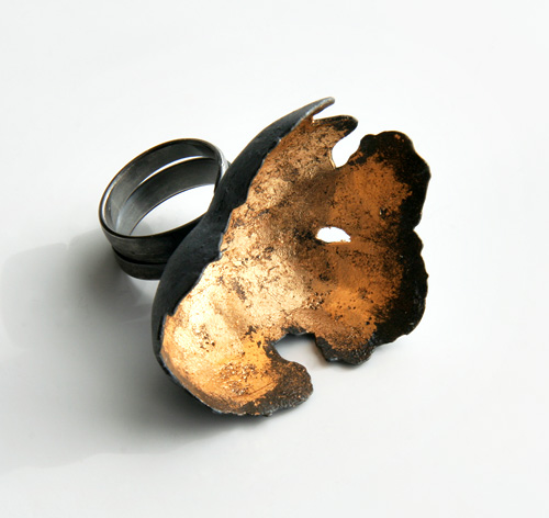 Random Processes, ring, 2009, silver, patina, leaf gold, 40 mm