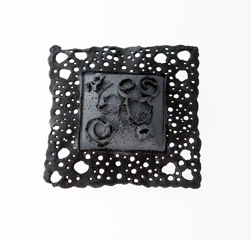 Recollection of Memories, brooch, 2007, silver, patina, 50 mm
