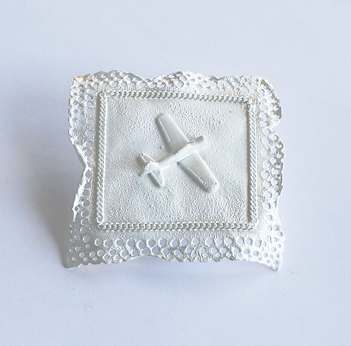 Recollection of Memories, brooch, 2005, silver, 50 mm